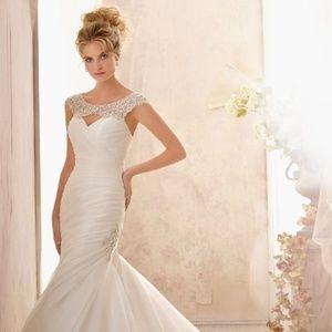 Mori Lee Ivory/Silver Wedding Dress 2612